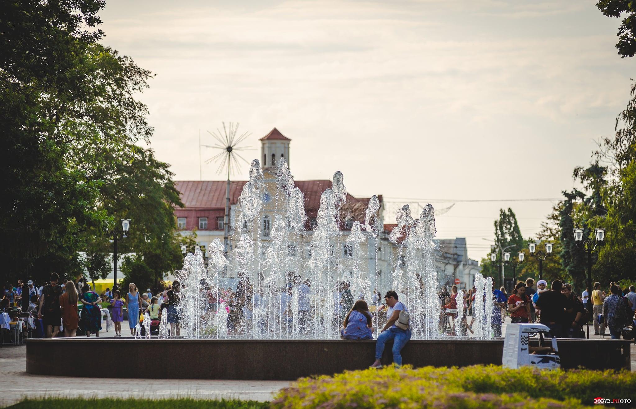 Як працюватимуть чернігівські фонтани у липні: актуальний розклад