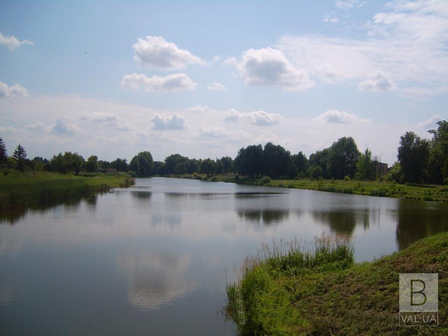 У Носівці з місцевої річки дістали тіло 31-річного потопельника