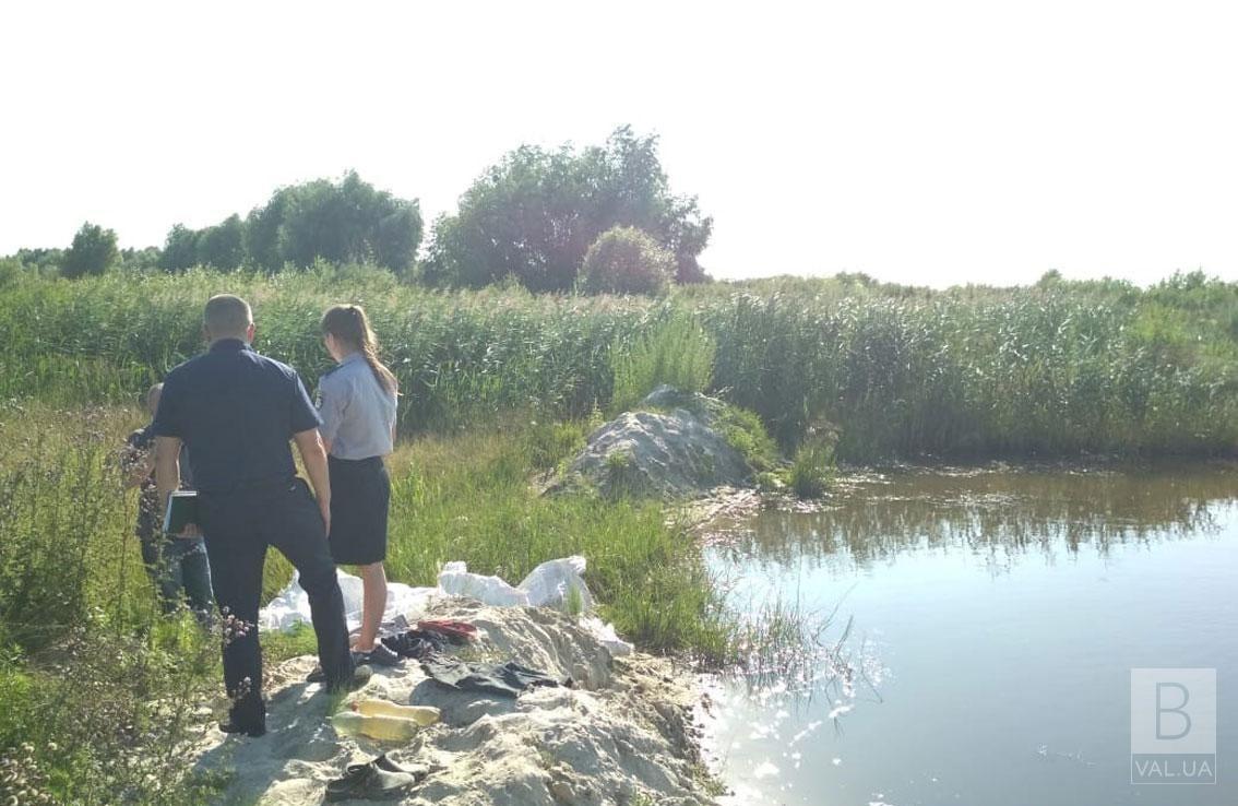 На Чернігівщині у ставку потонули двоє хлопчиків