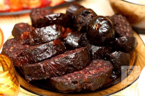 Поїв кров'яної ковбаси: у Чернігові від ботулізму помер 74-річний чоловік