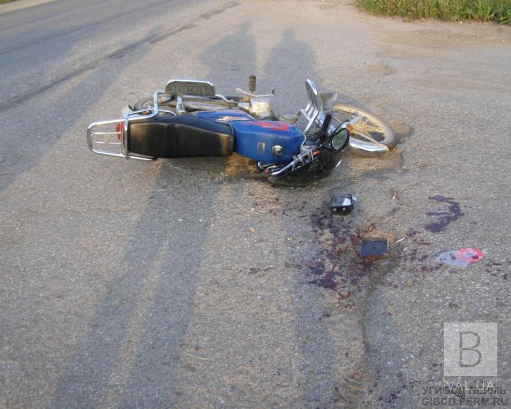 На Ніжинщині у ДТП травмувався водій мопеду