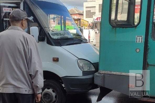 Пересіли на «маршрутки»: за останні півроку чернігівці стали менше їздити тролейбусами