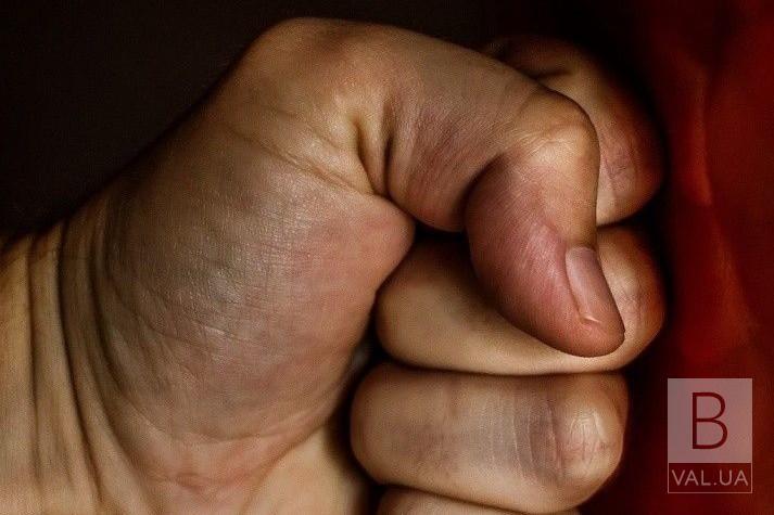 За напад на дільничного: Феміда на Чернігівщині загратувала «кримінальника» на 3 роки і 6 місяців