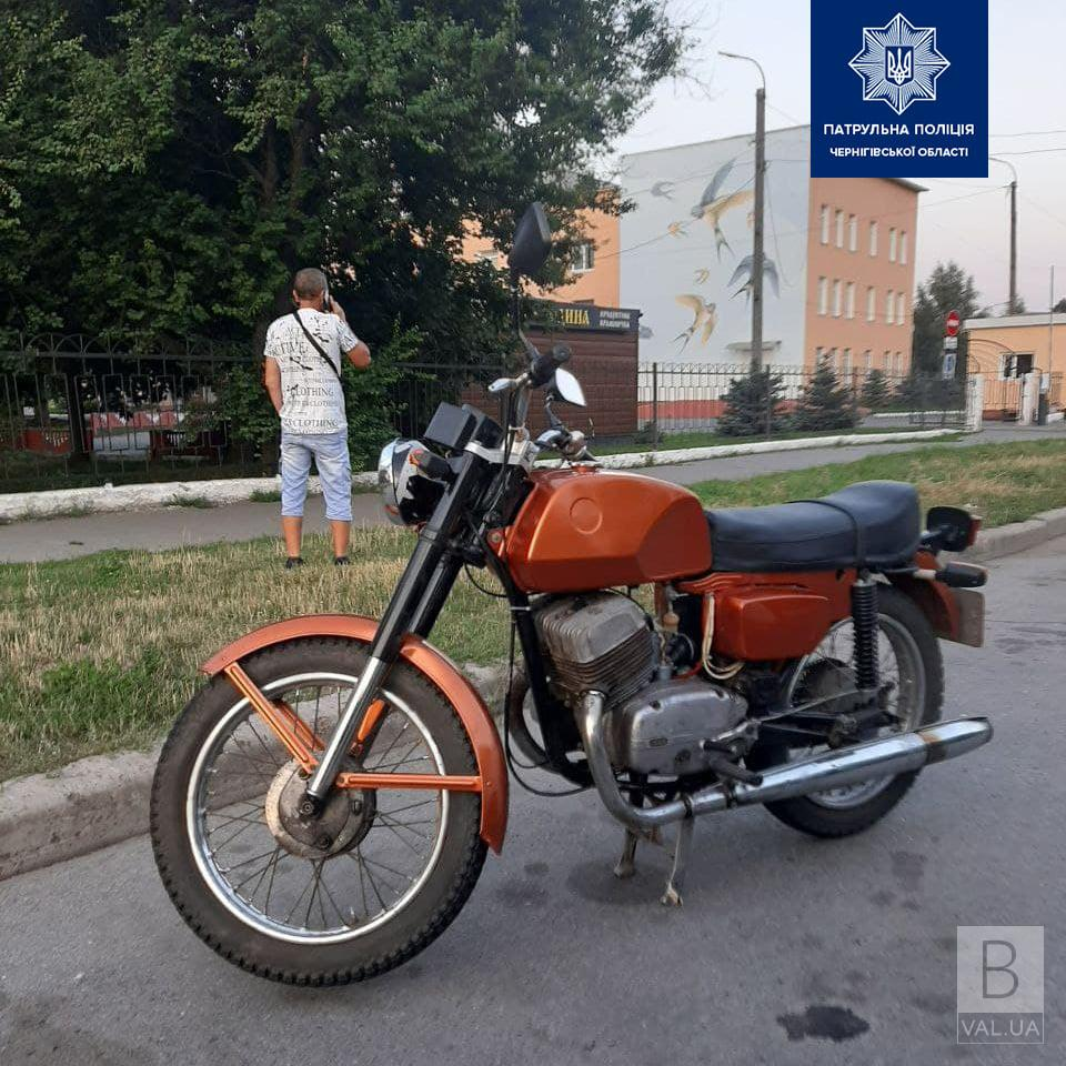 У Чернігові патрульні «спіймали» п'яного мотоцикліста. Кількість алкоголю перевищувала норму у 12 разів