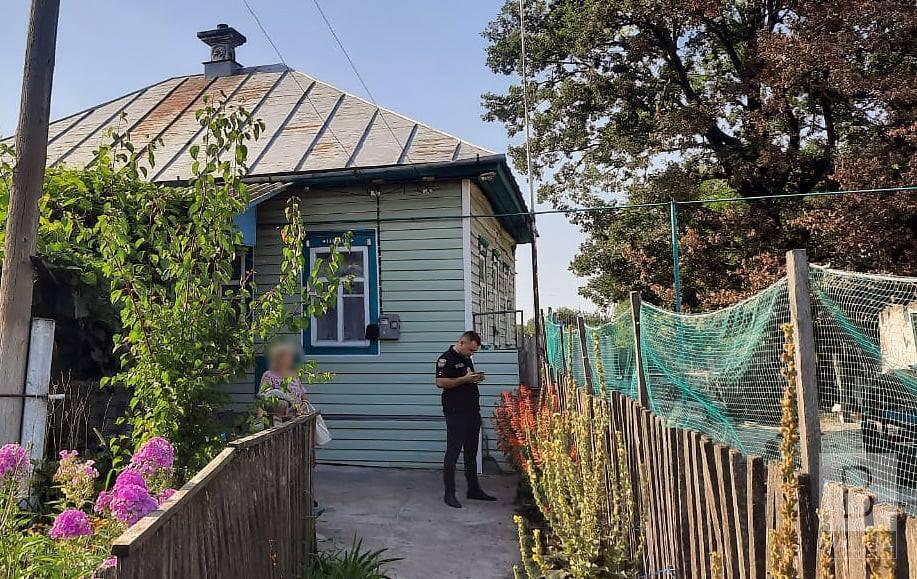 На Чернігівщині затримали 64-річного чоловіка, який під час сварки вдарив дружину молотком
