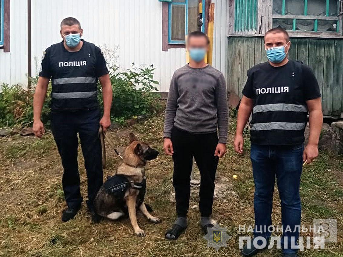На снайпера не схожий: у чоловіка на Чернігівщині знайшли гвинтівку з оптичним прицілом