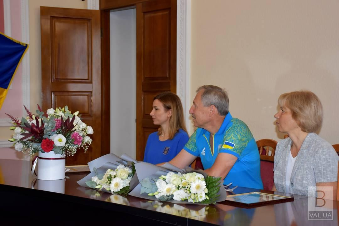 Олена Костевич та її тренери отримали подяки від чернігівського міського голови та грошові винагороди
