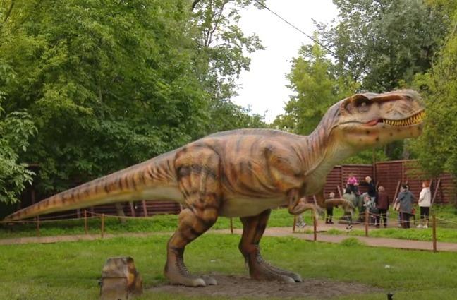 У Чернігові відкрився парк динозаврів