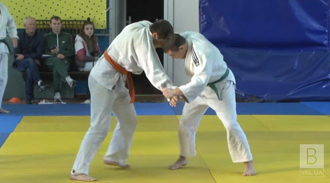 Близько 100 молодих дзюдоїстів стали учасниками чемпіонату Чернігівської області