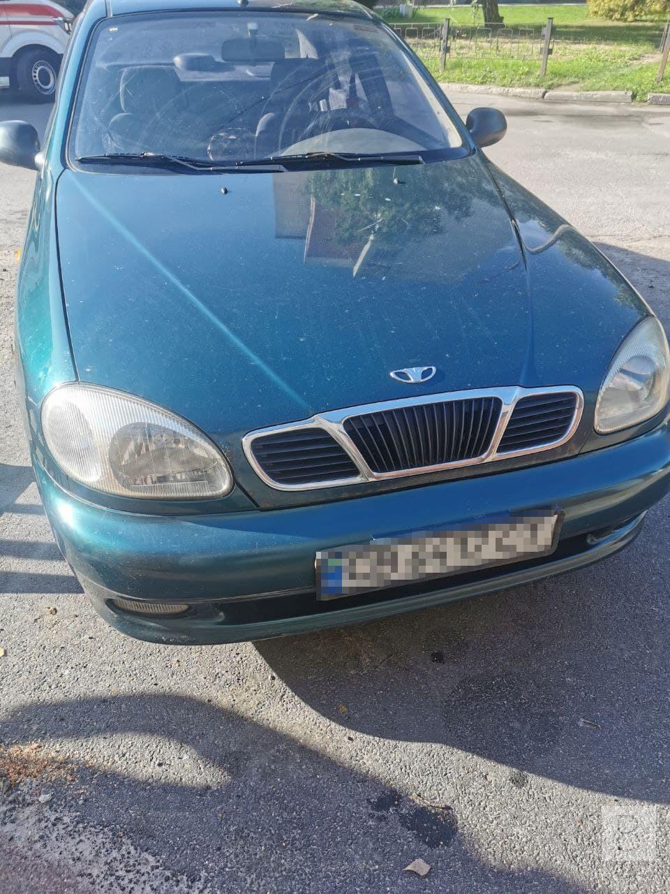 Через власну необережність: у Чернігові на Бобровиці 42-річна жінка потрапила під колеса легковика