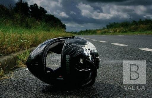 У Чернігівському районі підліток на мотоциклі врізався в шлагбаум. Хлопця шпиталізували