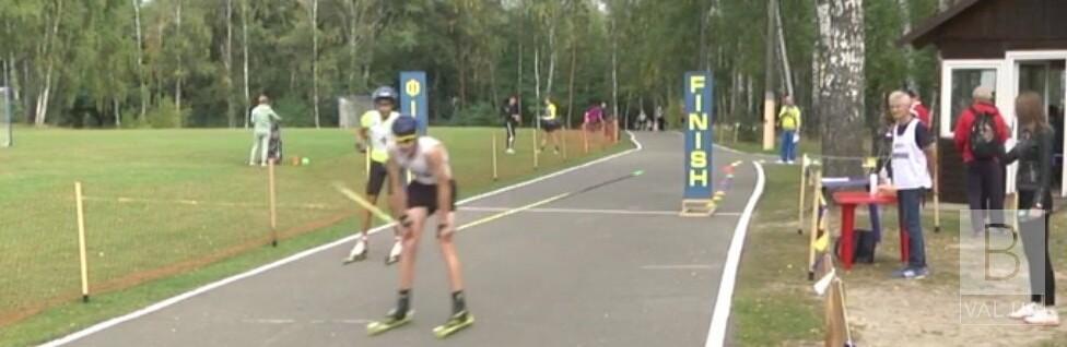 Чемпіонат з перегонів на лижоролерах зібрав у Чернігові понад сотню спортсменів