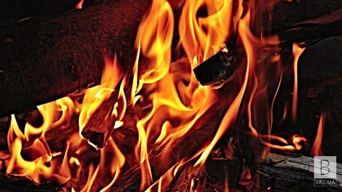 На Городнянщині під час пожежі чадним газом отруївся 50-річний чоловік. Його шпиталізували