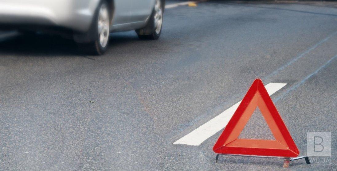 У Куликівці автівка збила чоловіка, який перебігав дорогу на «зебрі»