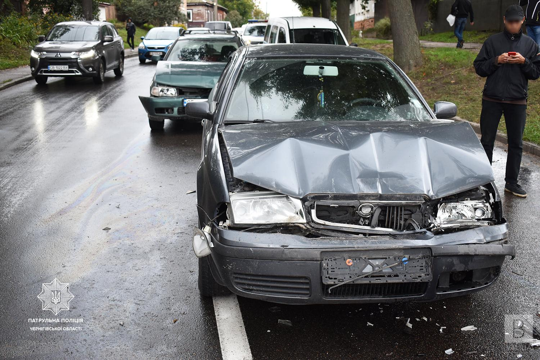 На 1-го Травня у двох ДТП пошкоджено 7 автівок. ФОТО