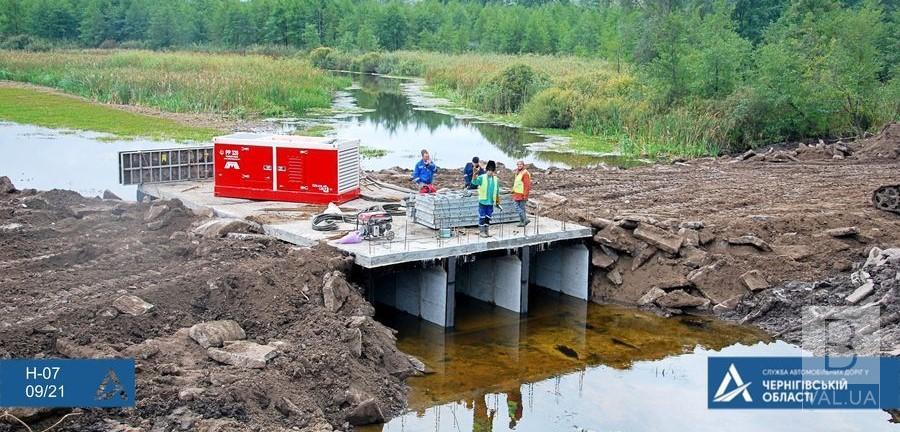 На Прилуччині встановили тимчасовий міст через річку Удай