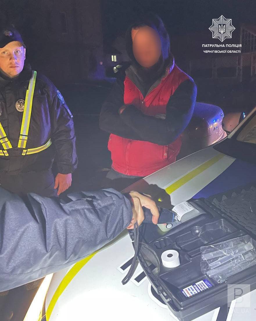 У Чернігові п'яний водій пропонував патрульним за гроші «зам'яти» справу