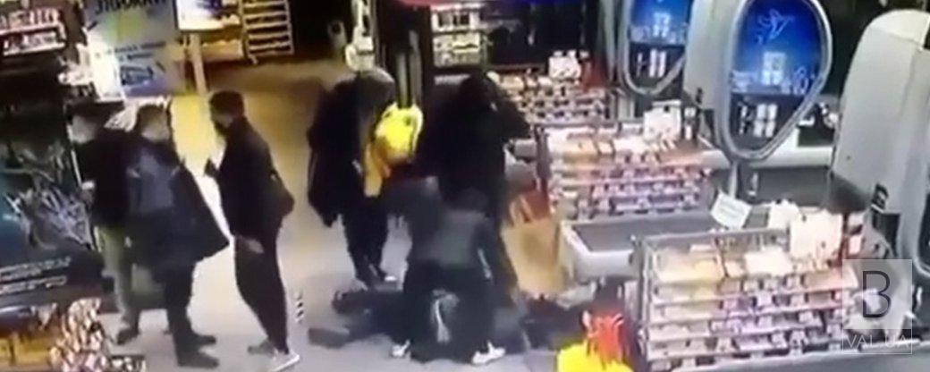 «Виконали службові вимоги»: в АТБ прокоментували жорстоке побиття поліцейських у супермаркеті Чернігова