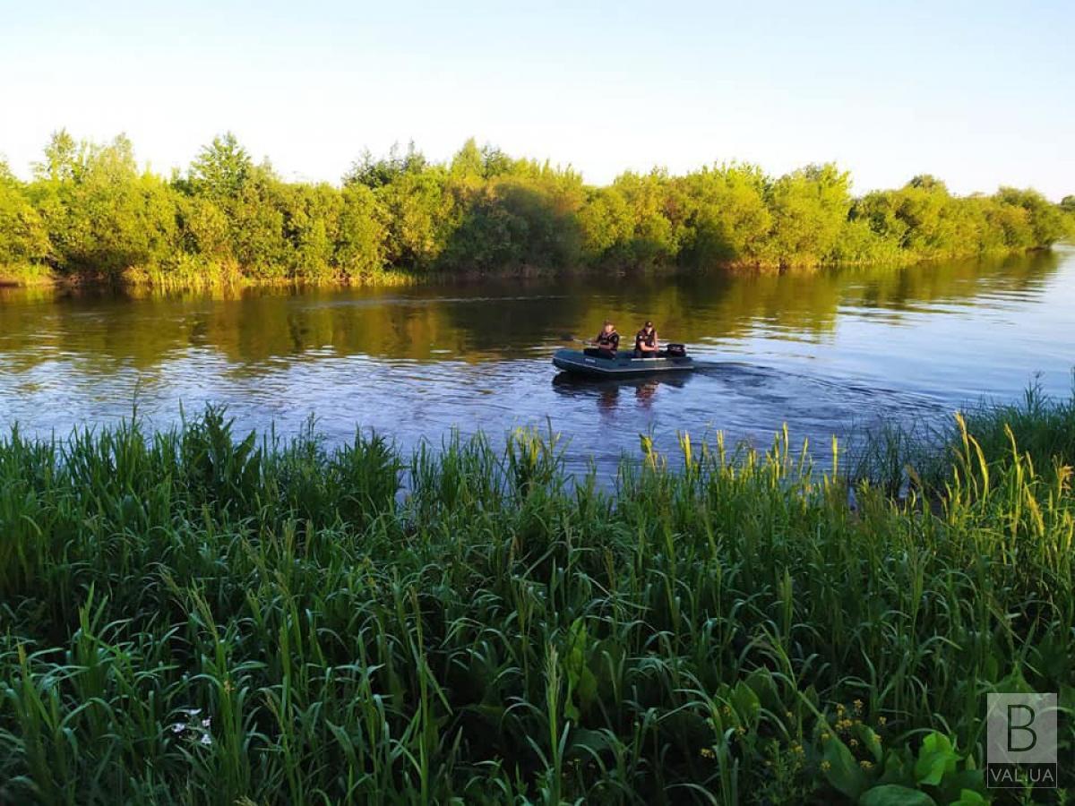 На Новгород-Сіверщині з Десни дістали чоловіка, який потонув ще 17 вересня