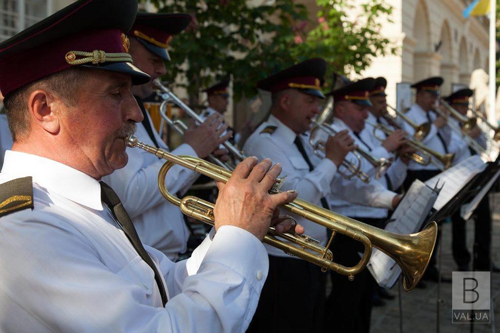 Завтра в Корюківці гратиме військовий оркестр та пригощатимуть солдатською кашею