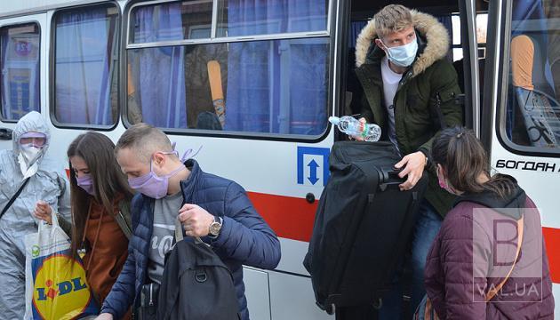 Кабмін заборонив міжобласні перевезення нещеплених українців без ПЛР-тесту