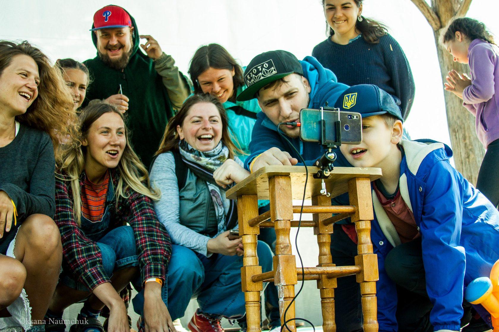 Дивитися, лежачи на сіні: на Чернігівщині стартує 9-й фестиваль позитивного кіно «Кіносарай»