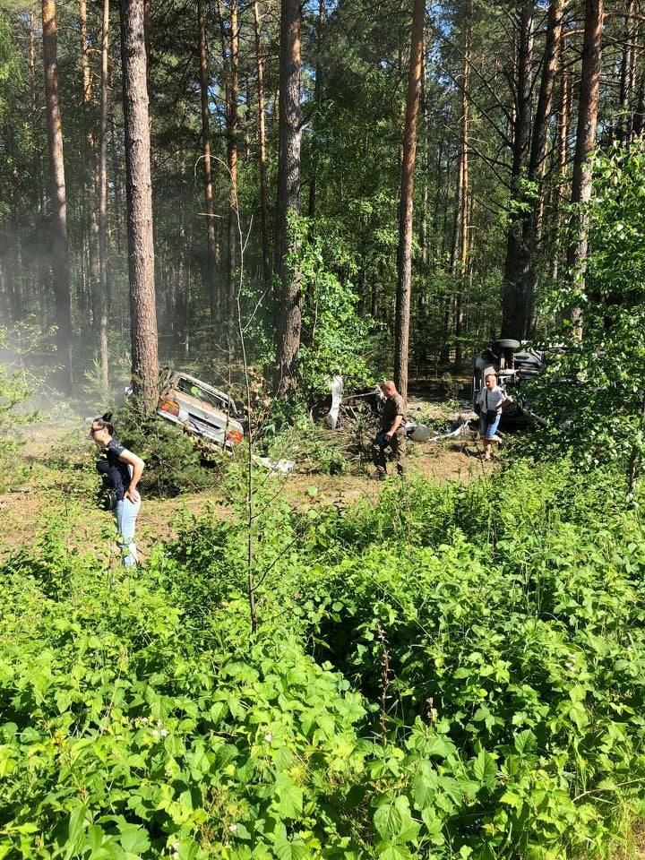 Збив чоловіка та в'їхав в легковик: подробиці смертельної аварії на Чернігівщині. ФОТО