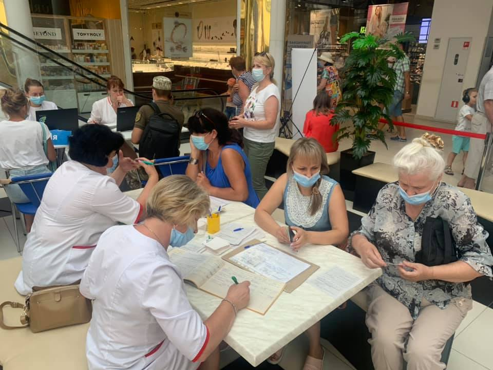 Чернігів став першим містом в Україні, де проводили масові щеплення вакциною Pfizer