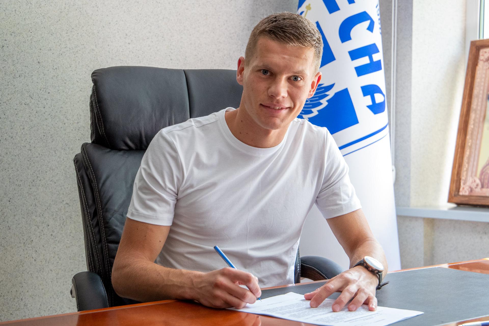 Чернігівська «Десна» підписала ще двох літніх новачків