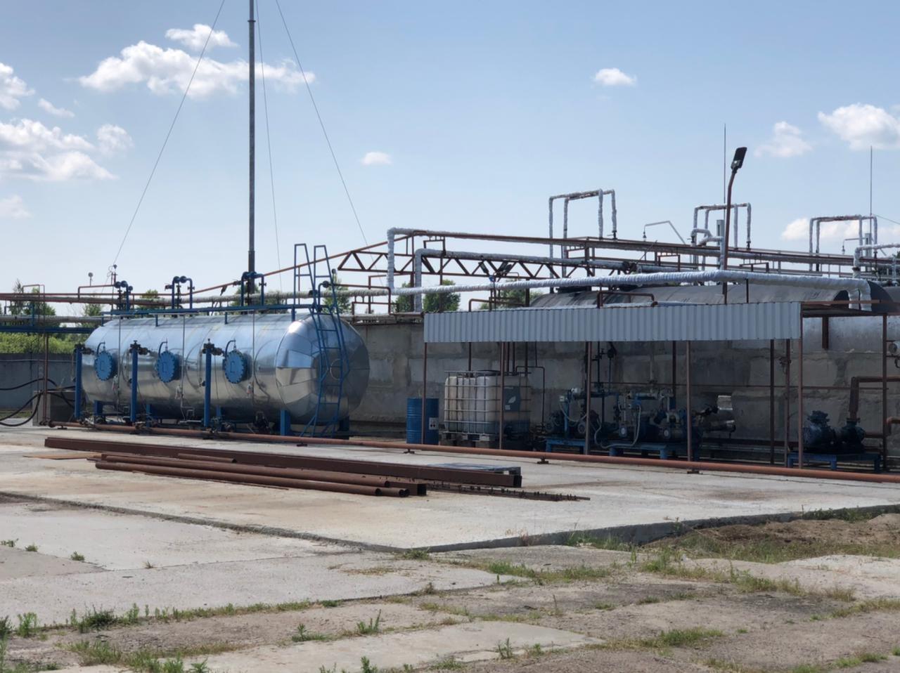 На Чернігівщині припинили нелегальний випуск пального в виробничих масштабах. ФОТО