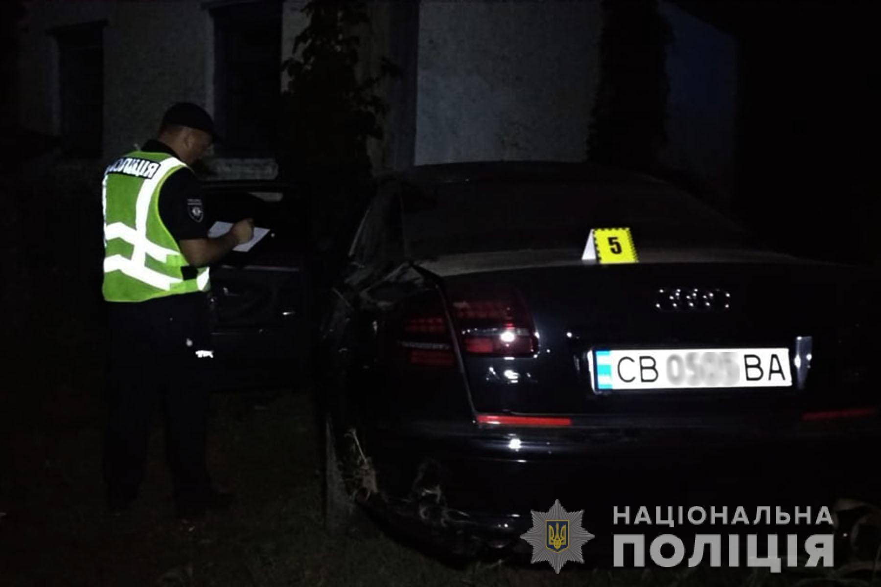 У Мохнатині автівка врізалася в будинок: двоє загиблих, троє травмувалися. ФОТО, ВІДЕО