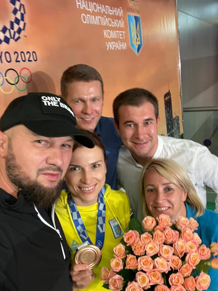 Найвлучніша українка вдома: Олену Костевич урочисто зустріли в Україні. ФОТО