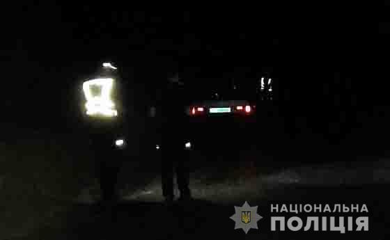 На Чернігівщині мотоцикліст збив дівчину і втік