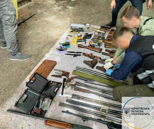 Двоє чернігівців облаштували підпільну зброярню. ФОТО