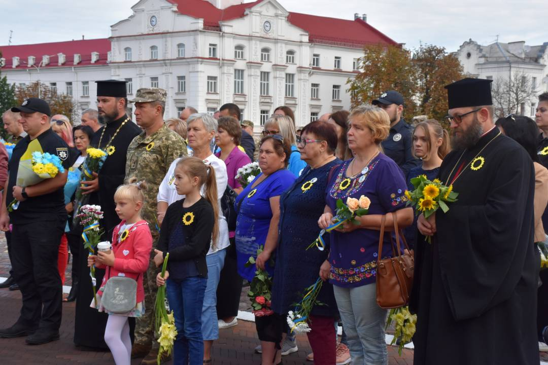 У Чернігові вшанували пам'ять захисників України. ФОТО
