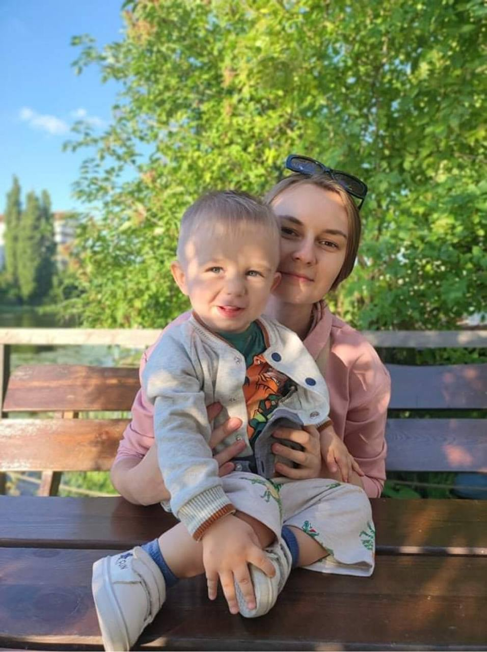 Сім'я з Чернігівщини змогла назбирати 2 мільйони доларів на укол синові