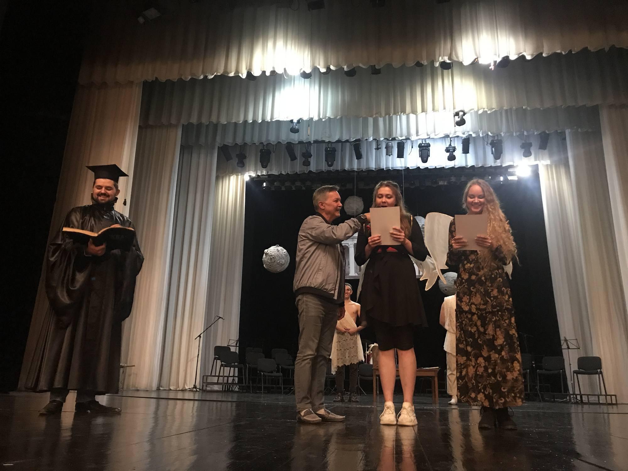 Прем'єри, кадрові зміни та поповнення актерського складу: Чернігівський драмтеатр відкрив 96-й театральний сезон. ФОТО