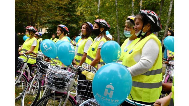 У Ніжині соціальним працівникам подарували 65 велосипедів. ФОТО