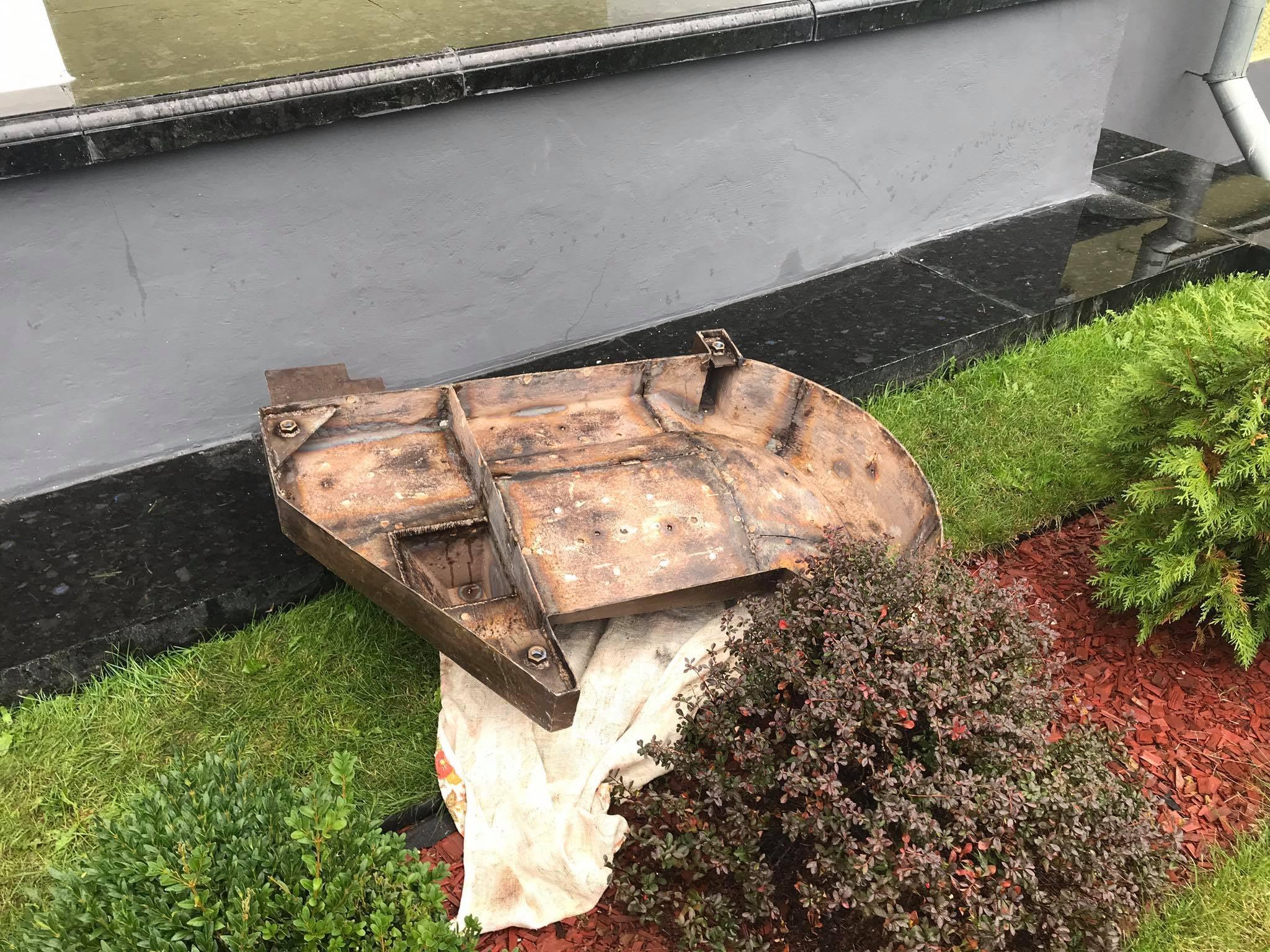 У Чернігові почали встановлювати меморіальну дошку з барельєфом колишнього міського голови Хижнякова