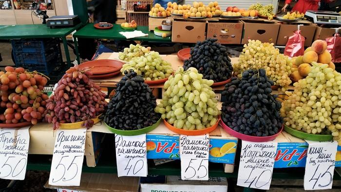 Центральний ринок тішить вибором осінніх грибів, ягід та овочів. Що і за яку ціну?
