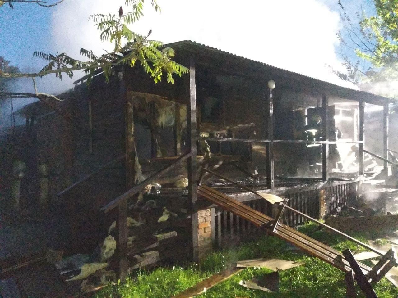 На Чернігівщині протягом доби згоріли дві лазні. ФОТО