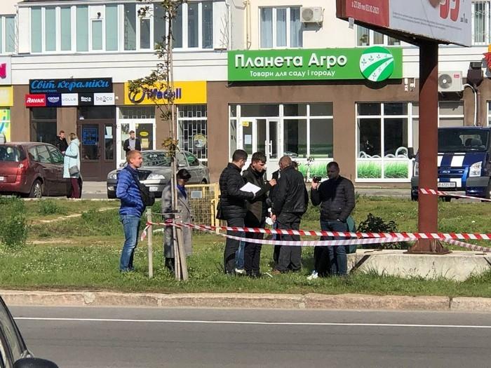 У Чернігові напали на двох поліцейських: один загинув на місці, інший наразі в реанімації